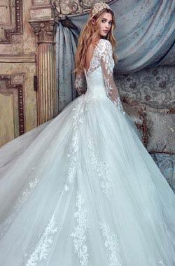 שמלות כלה עם שרוול ארוך של המעצבים המובילים   וואלה! מזל טוב