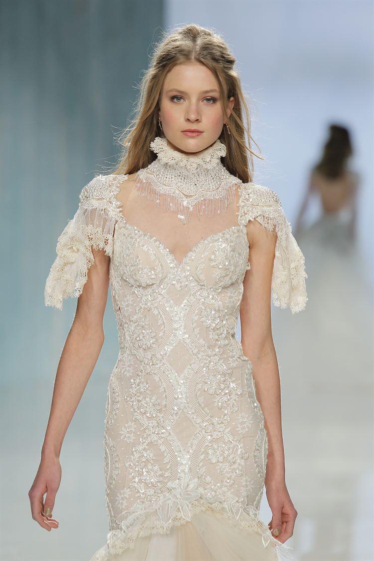 שמלות כלה מנצנצות. קולקציית 2018 בעיצובה של גליה להב בשבוע האופנה לכלות בברצלונה (צילום: יחצ)