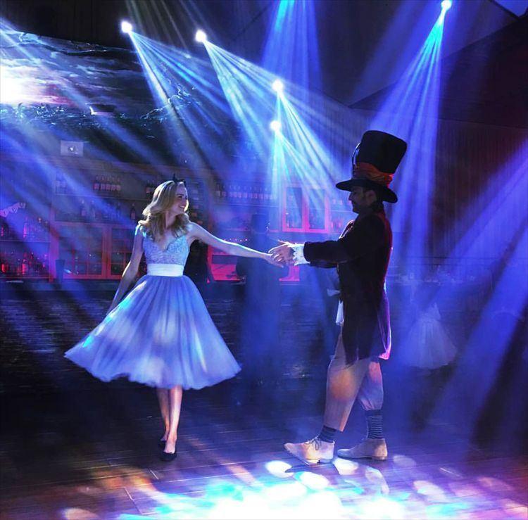 יעלו ויבואו לרחבת הריקודים: אליס בארץ הפלאות והכובען המטורף (צילום מסך אינסטגרם: liranko)