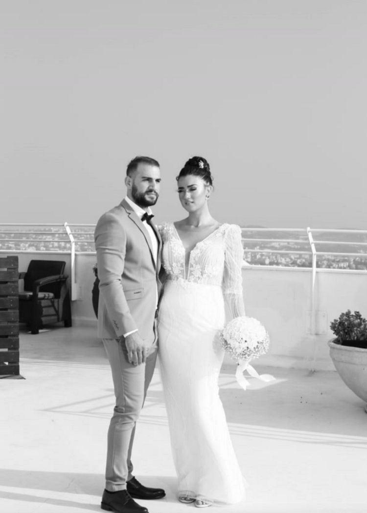 המראה המושלם והמדויק של ירדן דודו ואופיר שבני ביום חתונתם (צילום: שמואל אדלר)
