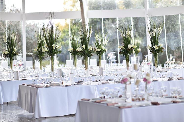 בינתיים אולם האירועים מוכן לחתונה, החתונה של שקד איבון יפרח ודניאל שפרן (צילום: תומר בן שלמה)