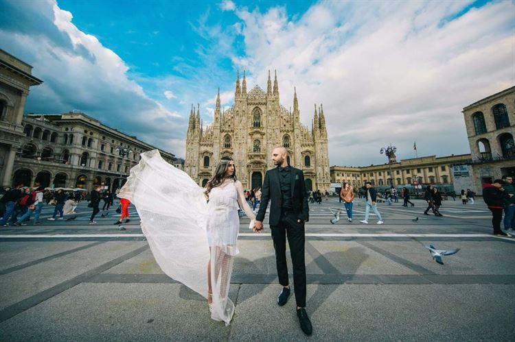 ככה זה נראה כשלוקחים את תמונות טרום החתונה צעד אחד קדימה ועושים תמונות זוגיות בחו